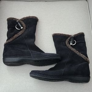 Stuart Weitzman Shearling Lined Ankle Boots - 7